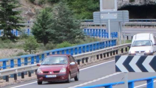 Una De Las Carreteras Que Discurre Por La Provincia