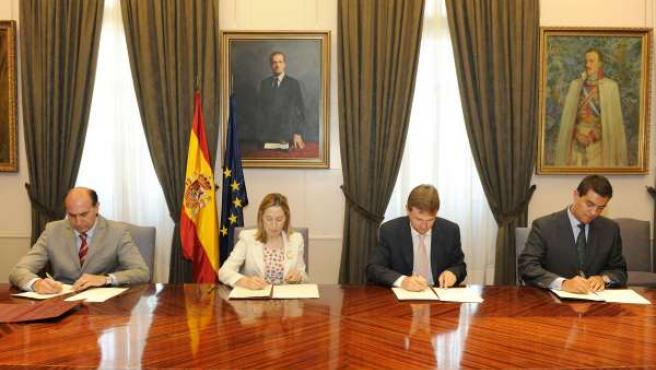 Adif y Ayuntamiento de Burgos firman la transmisión de terrenos de la estación