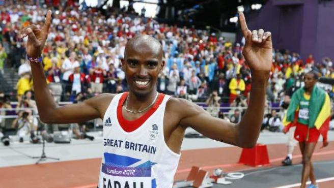 El atleta británico, Mo Farah, celebra el oro en el 5.000 m de Londres 2012.