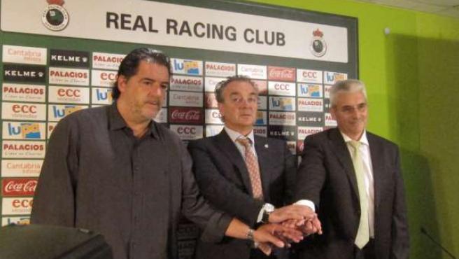 El presidente del Racing y José Campos presentan al nuevo entrenador