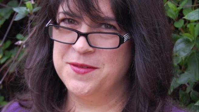 La británica Erika Leonard James asegura que su saga erótica nació de una crisis de los 40.