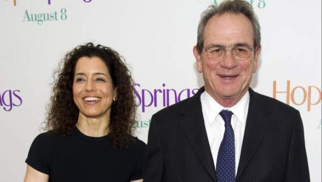 Tommy Lee Jones y su esposa Dawn en el preestreno de su última película, 'Hope Springs' en New York.