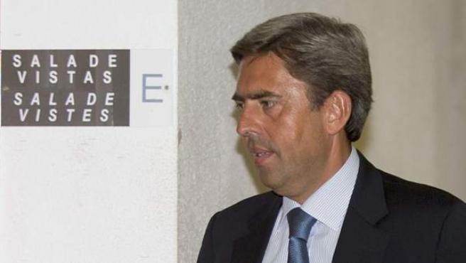 El exvicepresidente de la Generalitat Valenciana Vicente Rambla, a su llegada a declarar ante el juez José Castro que investiga el caso Nóos.