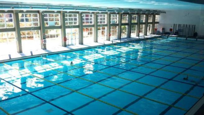 Imagen de la piscina del polideportivo de Chamartín tomada tras su reapertura. En la imagen se puede observar la división en calles a lo ancho del vaso.