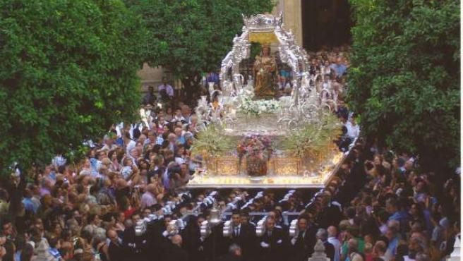 Virgen de la Victoria en procesión