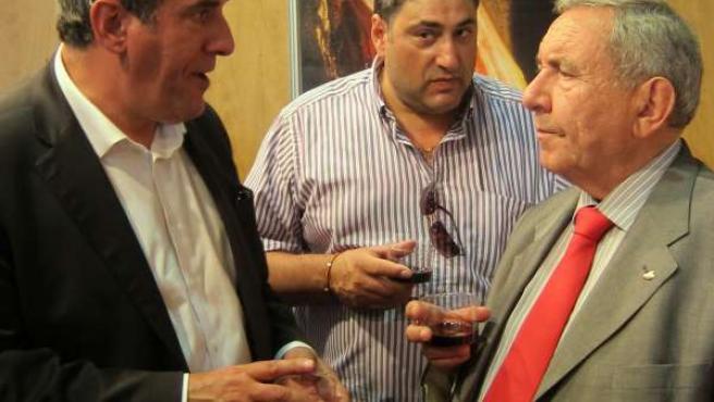 Julio Villarrubia en el expositor de Guijuelo en Agromaq 2012