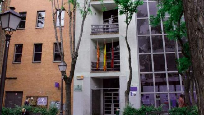 Fachada del centro cultural que alberga la Escuela Municipal de Música Ágata-Villaverde.