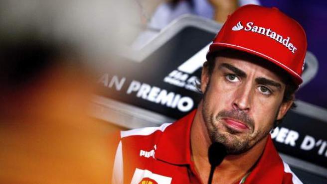 El piloto español de Ferrari, Fernando Alonso, durante una rueda de prensa.