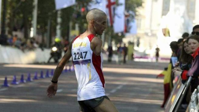 El atleta paralímpico Ait Khamouch, tras finalizar segundo en la maratón de Londres 2012.