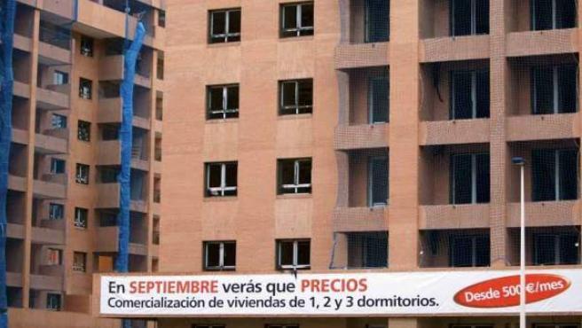Promoción de viviendas en construcción.