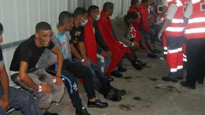 Los inmigrantes atentidos por Cruz Roja