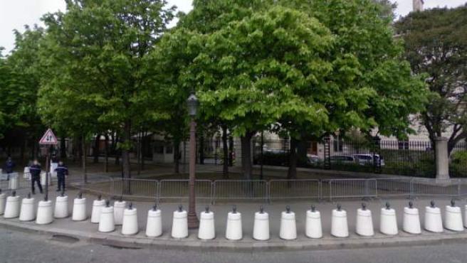 Inmediaciones de la embajada de EE UU en París (Francia).