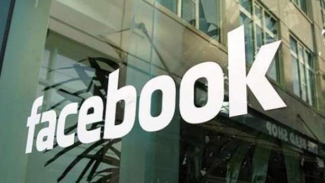 Un letrero de Facebook, en una imagen de archivo.