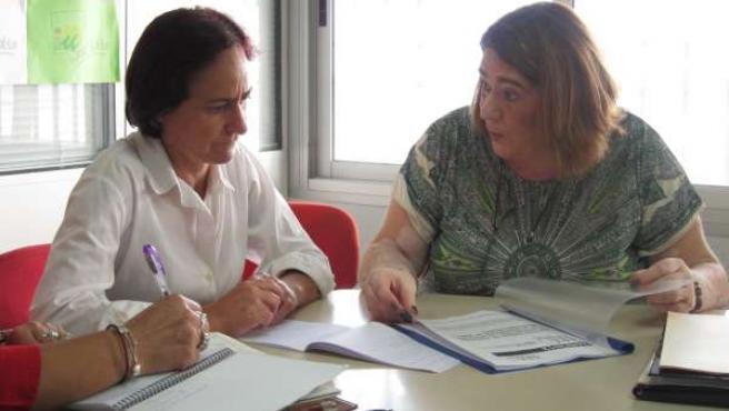 Rosalía Martín y Ascensión López, de SOS Bebés Robados Almería
