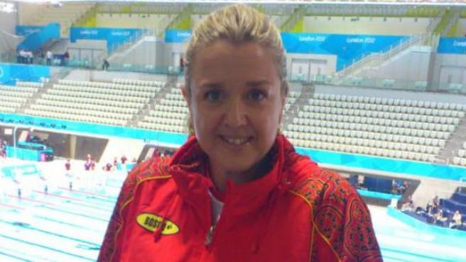 Anna Tarrés, en su lugar de culto, la piscina.