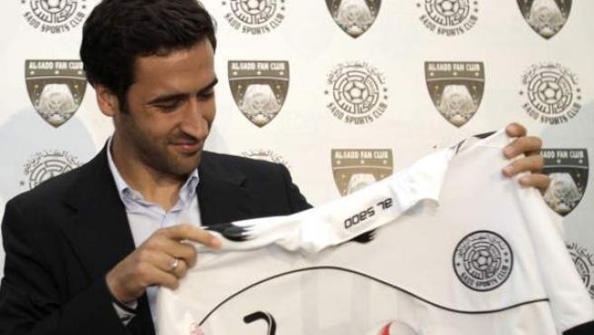 Raúl González, en la presentación como nuevo jugador del Al Sadd.