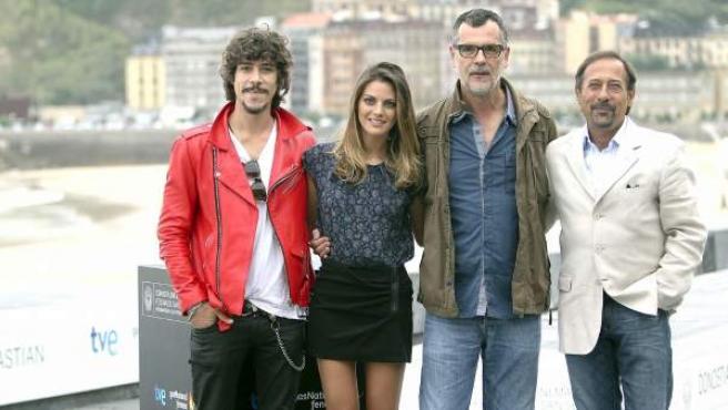 El equipo de '¡Atraco!': Oscar Jaenada, Amaia Salamanca, Eduard Cortés y Guillermo Francella (de izda. a dcha.).