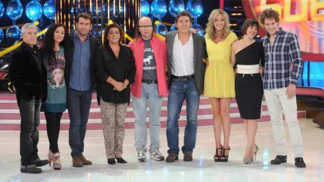 Manel Fuentes junto a los concursantes de la segunda temporada de 'Tu cara me suena'.