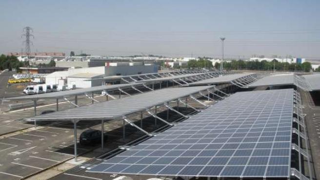 Instalación fotovoltaica en el Aparcamiento logístico de Renault