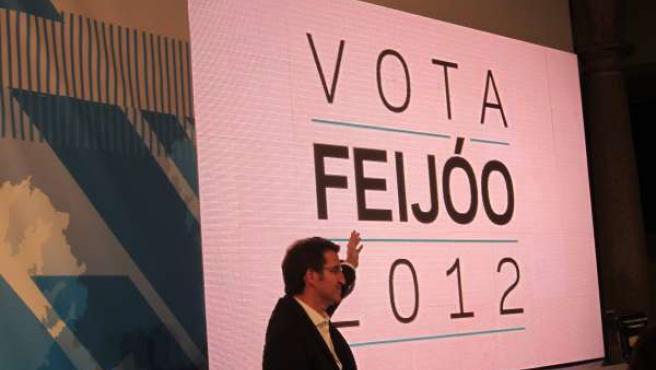 El Presidente De La Xunta, Alberto Núñez Feijóo, En La Pegada De Carteles