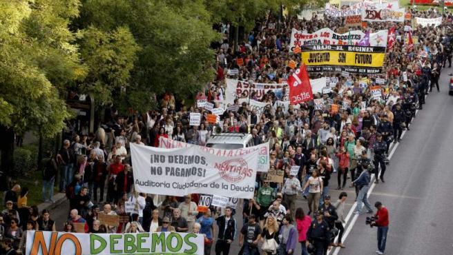 Vista general de la manifestación-cacerolada en Madrid.