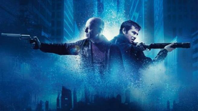 Bruce Willis y Joseph Gordon-Levitt en uno de los posters de 'Looper'.