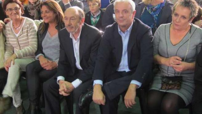 Rubalcaba y Pachi Vázquez en el cierre de campaña en Santiago