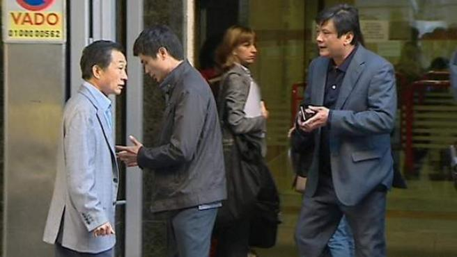 Ciudadanos chinos, a las puertas de la Audiencia Nacional, después de que se destapase la trama de blanqueo de dinero denominada Operación Emperador.