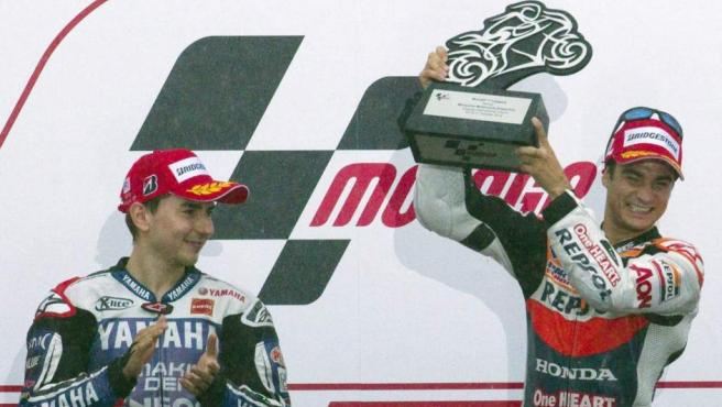 Lorenzo aplaude ante Pedrosa, ganador de MotoGP en Sepang.