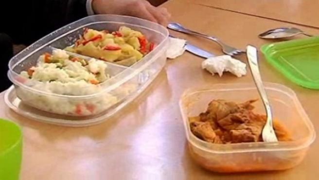 Los alumnos que a partir del próximo curso lleven el almuerzo en una fiambrera deberán pagar por el servicio del comedor.