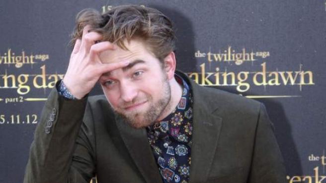 Robert Pattinson promocionando 'Amanecer Parte 2'.