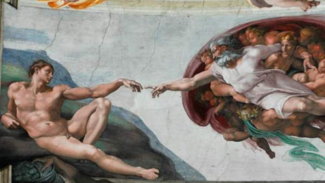 Escena de 'La creación de Adán' perteneciente a la obra 'El juicio final' de la Capilla Sixtina.