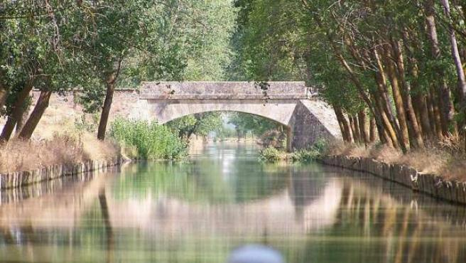El Canal de Castilla quiso ser una salida de Castilla al mar.