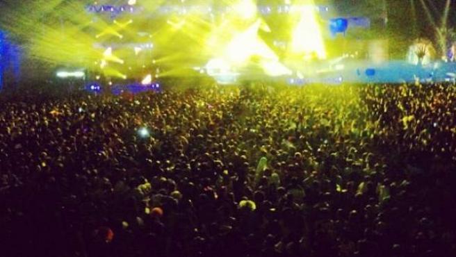 Foto cedida por la tuitera @MacaAlvear del interior del recinto Madrid Arena la noche de Halloween.