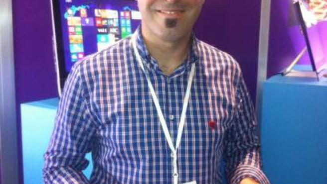 El director de Desarrollo de Productos de Microsoft España, Rafael Ríos, ha promocionado en EBE 12 el nuevo Explorer 10.