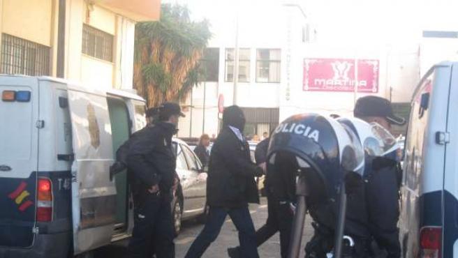 Guardia Civil acusado de tráfico de drogas a su llegada a los juzgados de Huelva