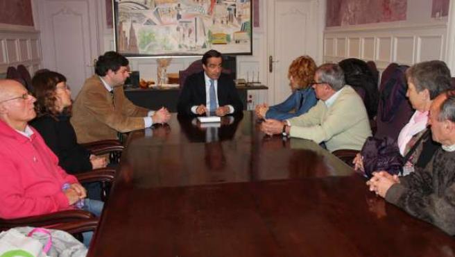 Alcalde y miembros de la Plataforma de Mercancías de Tanos