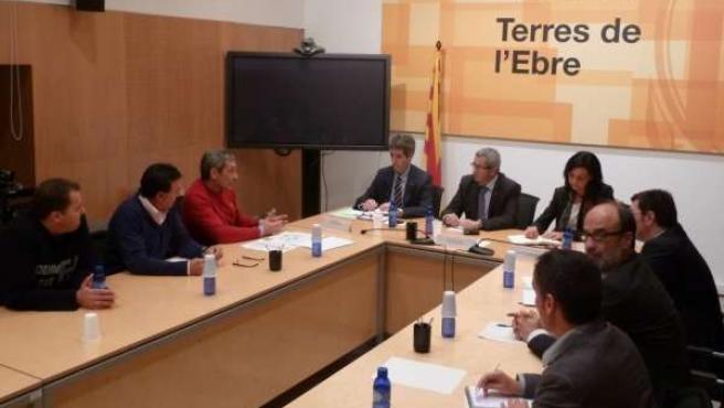 Reunión entre la Generalitat, alcaldes y trabajadores de Cemex Alcanar