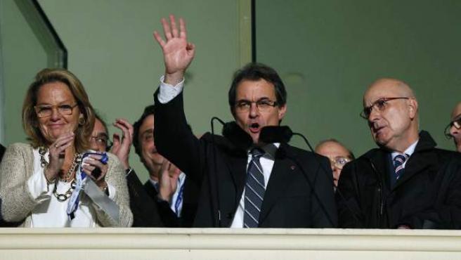 Artur Mas celebra la victoria de CiU en las elecciones catalanas 2012.