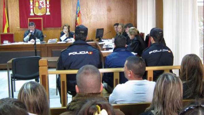 Juicio por el apuñalamiento de un joven en Benidorm