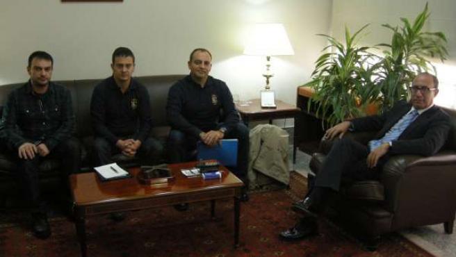 Reunión entre el delegado del Gobierno en Melilla y la Aprogc