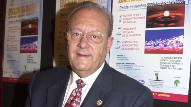 Simón Viñals Pérez, exconcejal del PP en el Ayuntamiento de Madrid y médico del Madrid Arena durante la tragedia de Halloween, en una imagen del año 2000.