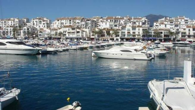 Una vista de Puerto Banús, una de las zonas más caras y lujosas de España.