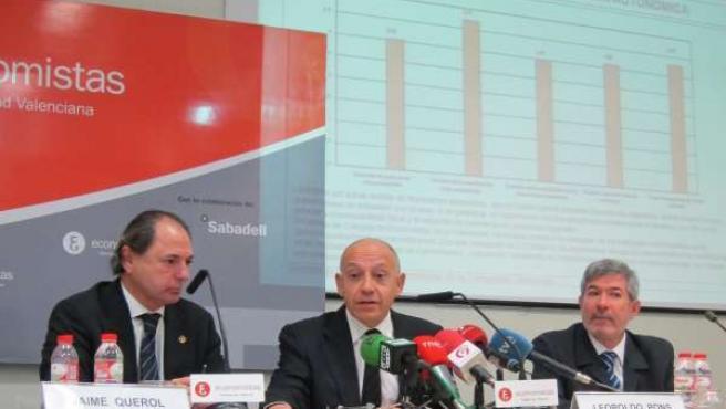 Leopoldo Pons interviene con los decanos de economistas de Castellón y Alicante.