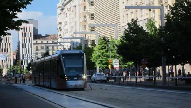 Tranvía en el Paseo Independencia en Zaragoza