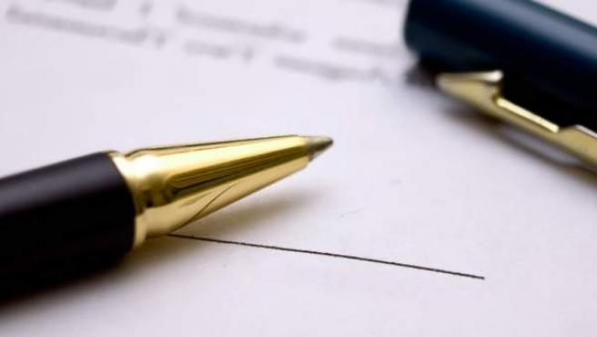 Muchas cláusulas se firman sin contar con información.