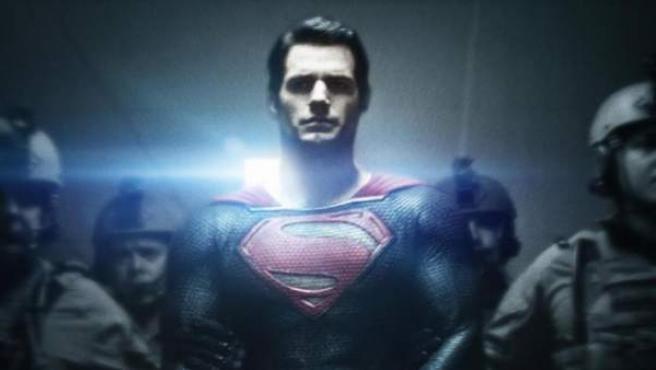Cartel de 'El hombre de acero' ('Man of Steel').