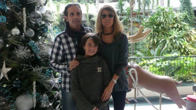 Rovirosa, con su mujer y su hijo.
