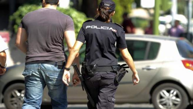 Una agente de policía en una imagen de archivo.