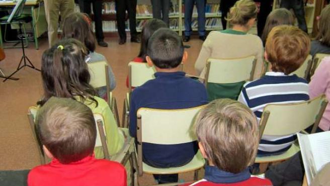 Presentación del libro 'Mi primer Unamuno' en el Colegio Santa Teresa.